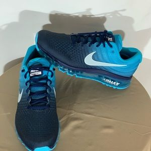 **New** Men Nike Air Max 2017 Running Shoes